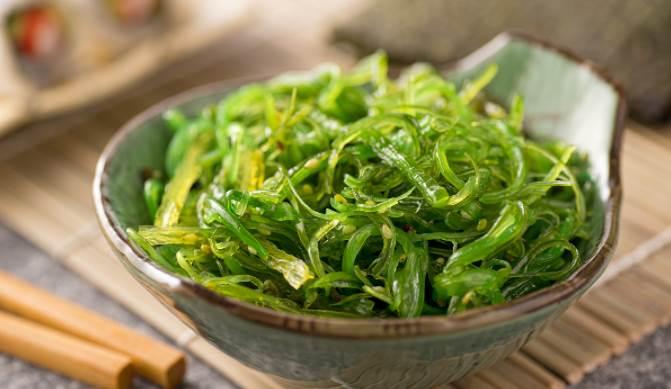 image of Spirulina Algae in a bowl